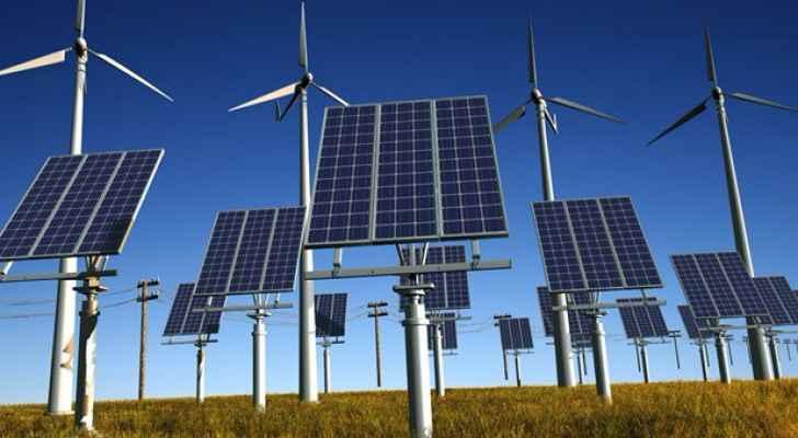 """""""الطاقة والمعادن"""" تمنح 189 رخصة لممارسة أنشطة الطاقة المتجددة"""
