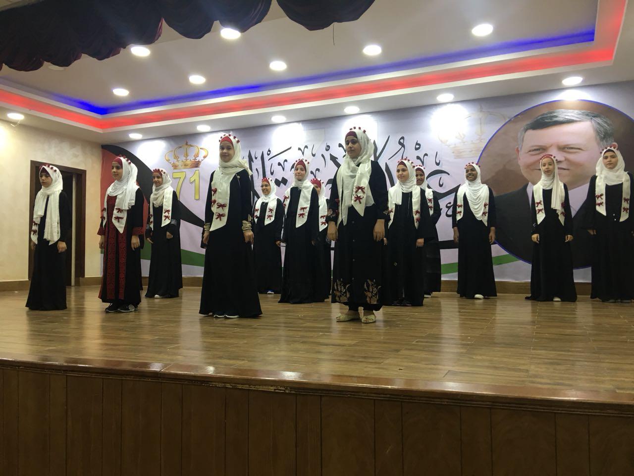 """تخريج طالبات دورة تيجان النور من """"الهاشمية"""""""
