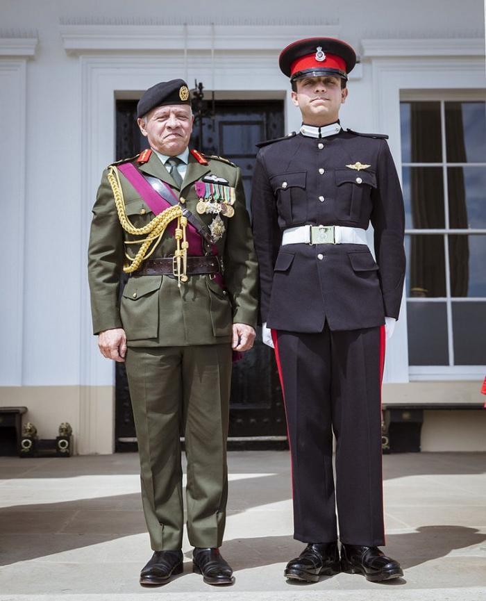 بالصور : ما قاله مدربو الأمير حسين عن مستقبله